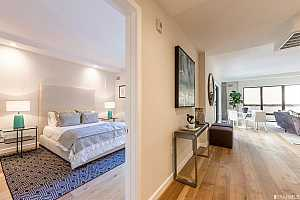 MLS # 482611 : 1731 POWELL UNIT 306