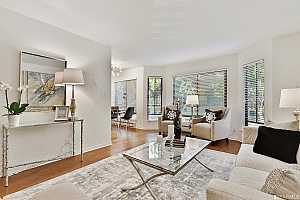 More Details about MLS # 491796 : 225 BAY STREET #2