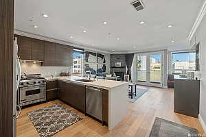 More Details about MLS # 421516942 : 1738 LOMBARD STREET #8