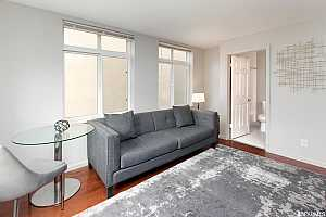 More Details about MLS # 421587391 : 195 7TH STREET #302