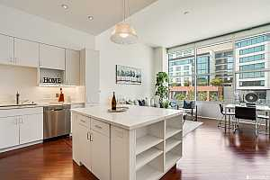 More Details about MLS # 421589057 : 207 KING STREET #402