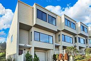 More Details about MLS # 421590784 : 24 CARNELIAN WAY