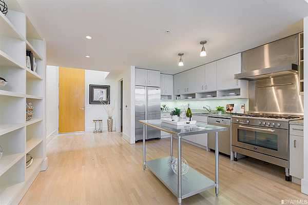 Photo #1 Welcome to 993 Tennessee!  This updated, spacious, top floor condo awaits your visit.