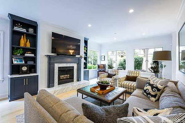 Photo #1 Welcome to 1150 Lombard!  This updated condo in Russian Hill will impress you.