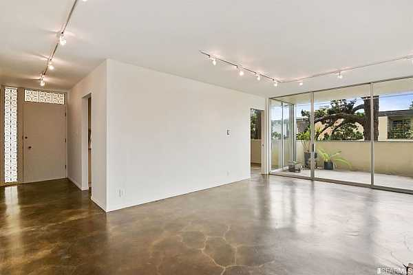 Photo #6 Enter and enjoy the clean lines and indoor/outdoor feel Joseph Eichler perfected.