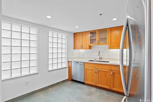 Photo #8 Kitchen with stainless steel appliances