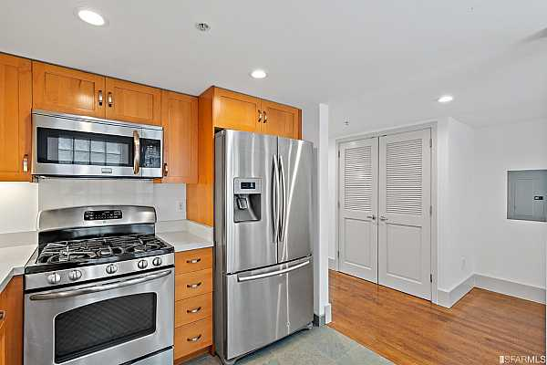 Photo #7 Kitchen with stainless steel appliances