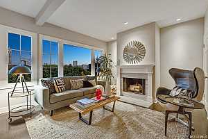 Browse active condo listings in 116  122 ALTA STREET