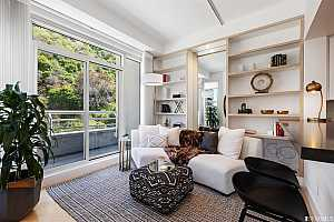 Browse active condo listings in 220 LOMBARD STREET