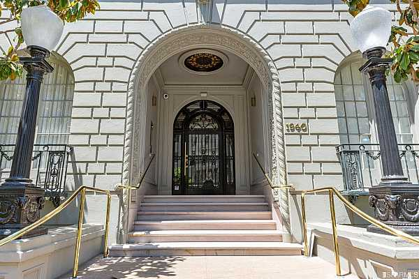 Photo #2 Classic and elegant San Francisco residence. A+ location.