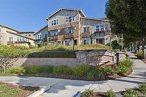 Browse active condo listings in BAYVIEW