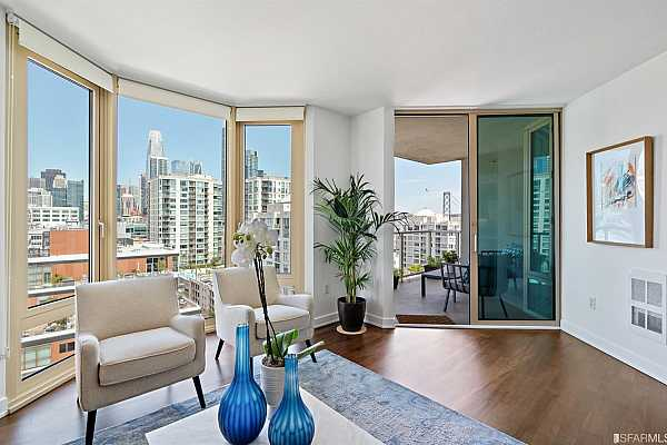Photo #7 Newly refinished hardwood floors, designer finishes and large deck with sweeping City and Bay views