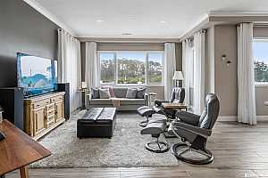 Browse active condo listings in SUMMIT 800
