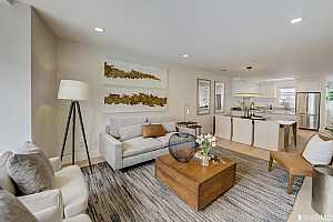 Browse active condo listings in INGLESIDE