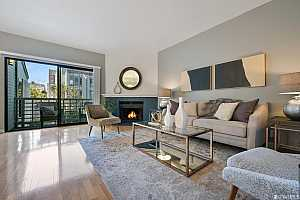 Browse active condo listings in KIMBALL PARK